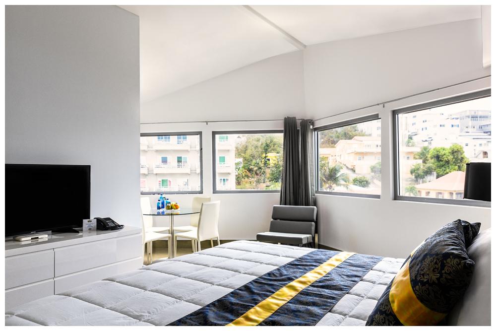 Commodore Suites - Deluxe one bedroom suiten view
